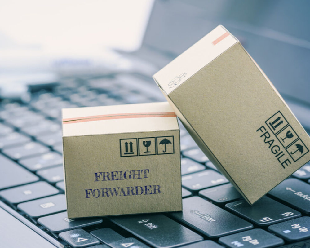When Should You Use a Freight Forwarder?